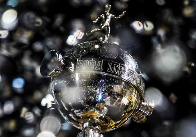 A tão desejada Taça Copa Libertadores da América!