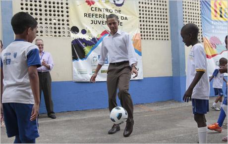 Obama-petecando