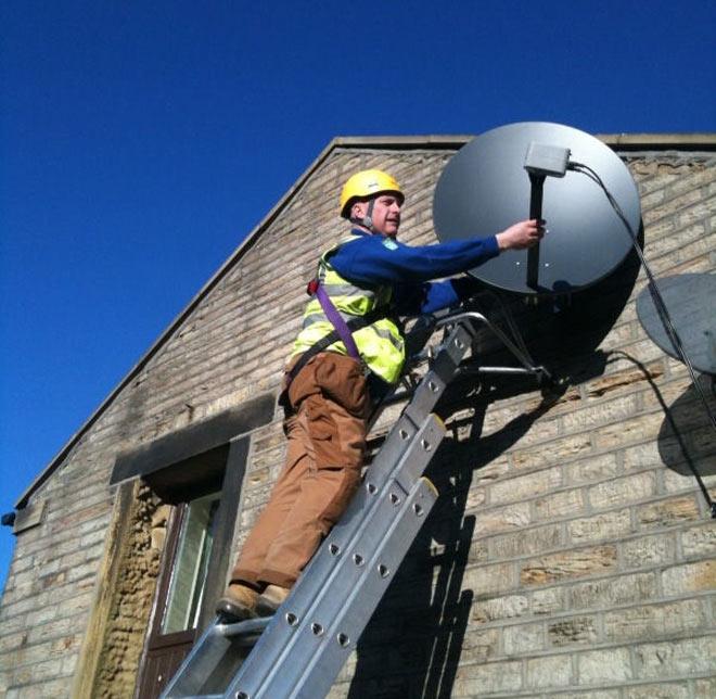 Conheça os passos básicos para instalar uma antena parabólica (Foto: Reprodução)