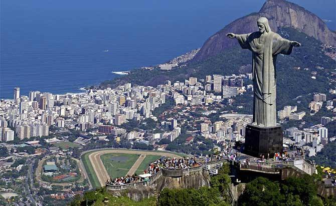O Cristo Redentor é o ponto turístico mais famoso do Brasil (Imagem: Reprodução)
