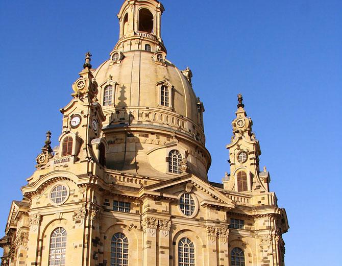 """A Igreja """"Frauenkirche"""" de Dresden, Alemanha, foi construída no utilizando o estilo barroco."""