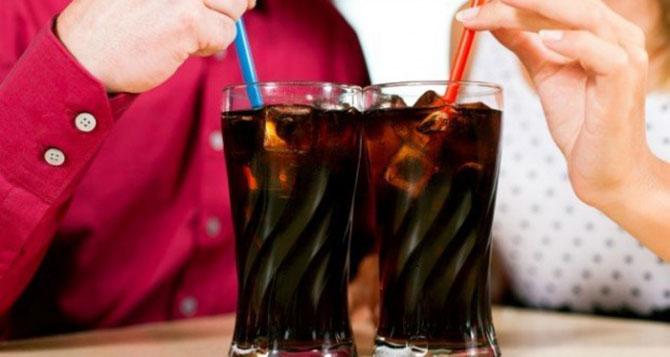 Muitos médicos e nutricionista preferem deixar o refrigerante de lado.