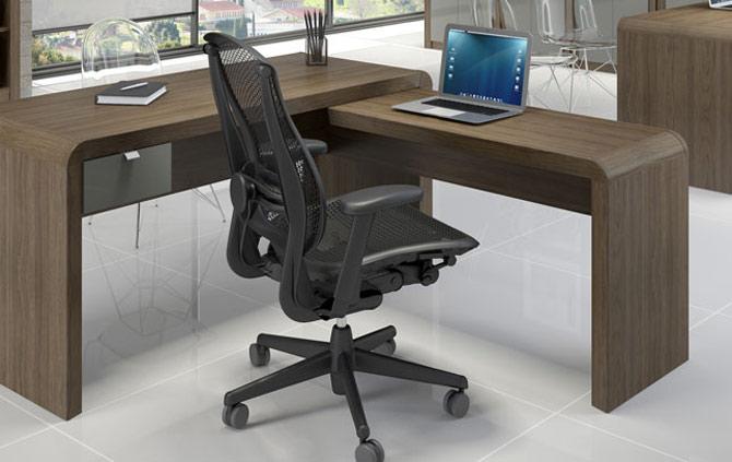 Saiba as melhores dicas para escolher a cadeira certa na hora de usar o PC e não ter dores constantes. (Foto: Reprodução)