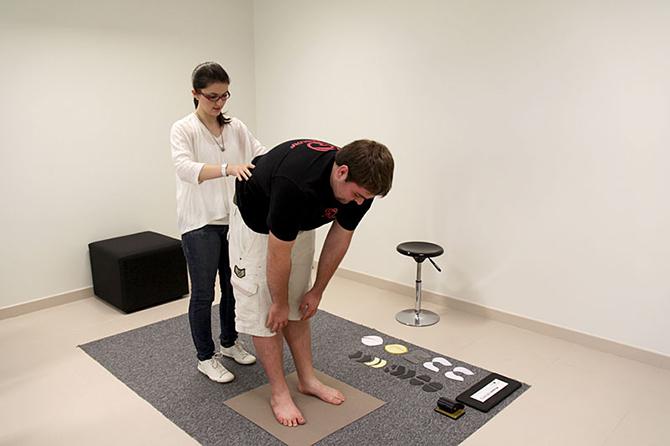 Criada pelos franceses a podoposturologia é uma técnica que avalia os pés do indivíduo e sua influencia na postura.