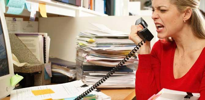 A grande cargo horaria dos empregos de hoje em dia geram muita raiva.