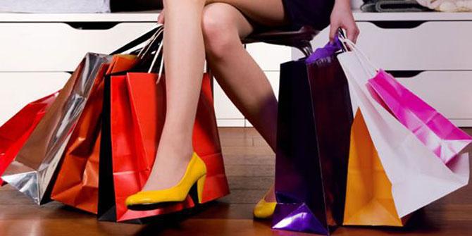 Tome cuidado para não gastar muito dinheiro com roupas que você não precisa.