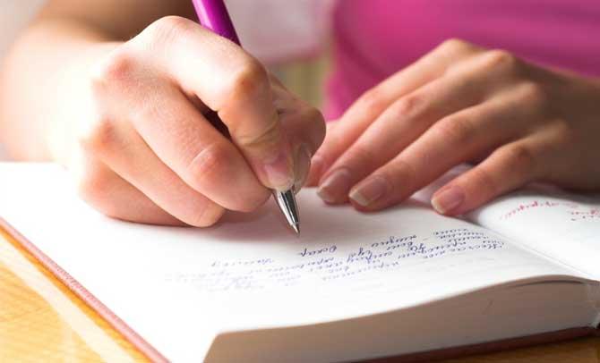 Ditongo, tritongo e hiato são ligações de vogais e semivogais.