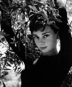 01-Philippe-Halsman-Audrey-Hepburn