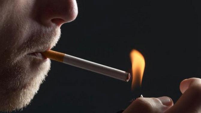 O cigarro é o principal agente desencadeador da bronquite.