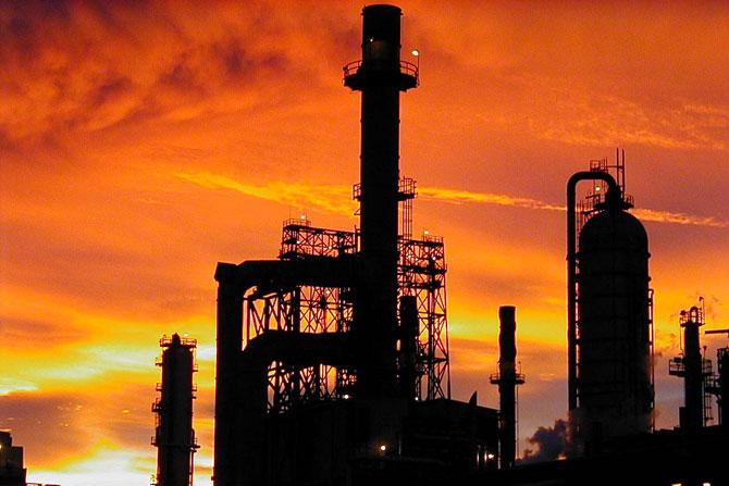A área de petróleo é uma das que mais bem paga os seus funcionários no Brasil.
