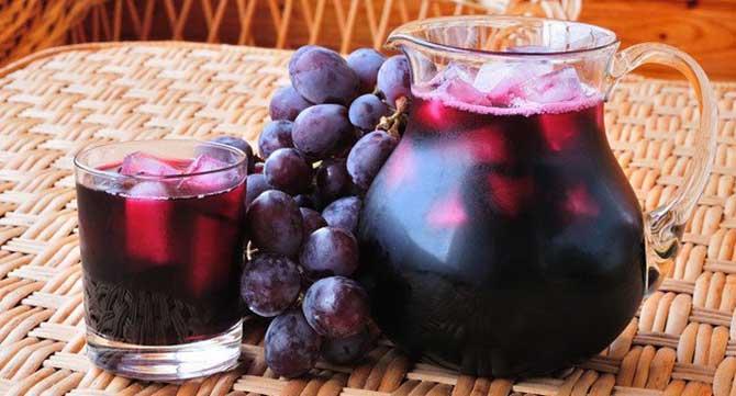 Devido a sua alta pigmentação o suco de uva pode manchar os dentes.