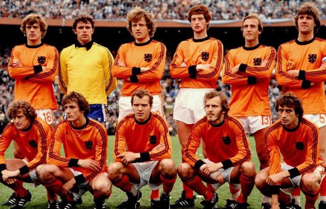 """Graças ao """"futebol total"""" a seleção holandesa ficou conhecida como """"Laranja Mecânica"""""""