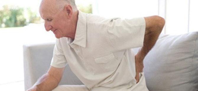 As dores no corpo aumentam ainda mais com a idade avançada.