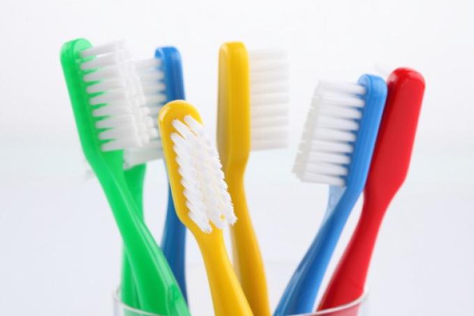 escovas-de-dentes