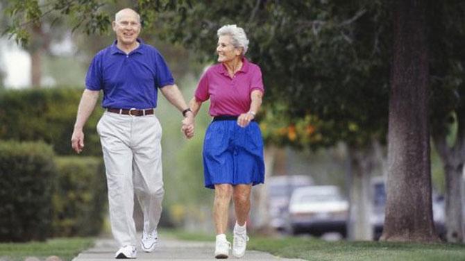 A prática de exercícios ajudam a amenizar os problemas da idade avançada.