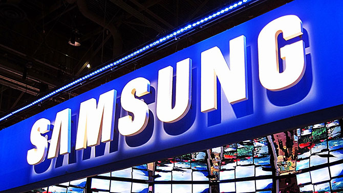 Samsung é a primeira fabricante a anunciar uma TV flexível. (Imagem: Reprodução)