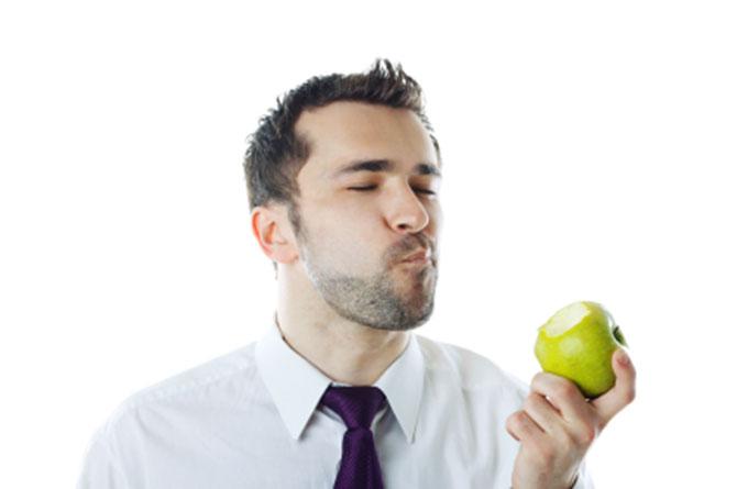 Sempre que for se alimentar procure mastigar ao menos 20 vezes o alimento.