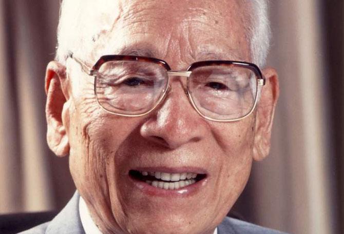 Momofuku Ando foi o grande inventor do macarrão instantâneo