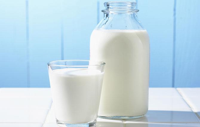 O leite é uma das nossas principais fontes de cálcio