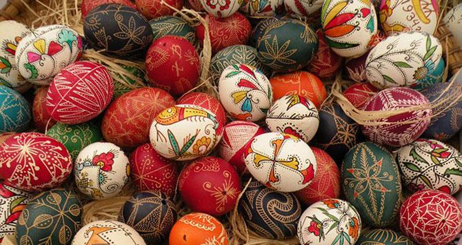 Até hoje na Bélgica é costume pintar ovos durante a Páscoa