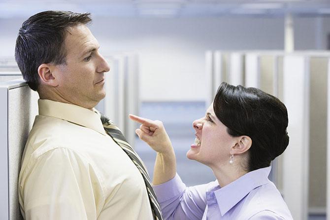 Crises no trabalho podem acabar em demissão