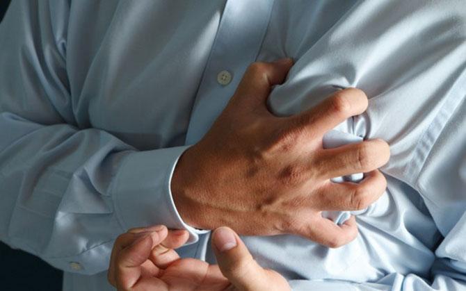As crises podem vir acompanhadas de sudorese, formigamento, tremores ou taquicardia