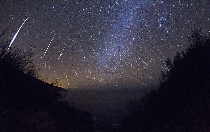 Essa será a maior chuva de meteoros do ano (Imagem: Reprodução)