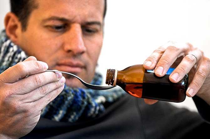 O xarope inibe os receptores que geram a tosse (Imagem: Reprodução)