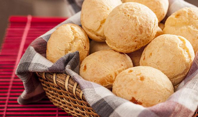 Nada melhor que um bom pão de queijo no café da manhã ou da tarde (Imagem: Reprodução)